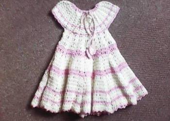 Sukienka szydełkowa na dużą lalkę