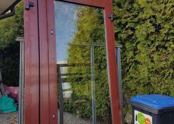 Drzwi aluminiowe z witrynami