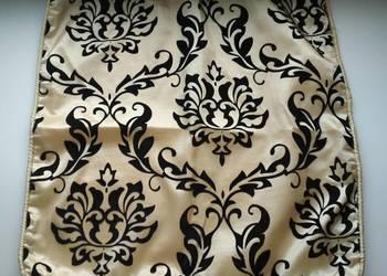 Poszewka na poduszkę Black Red White retro wzór flok barok