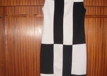 Sukienki klasyczne rozmiar S