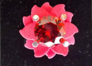 srebrny pierścionek czerwony kwiat