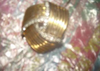 broszka złota z diamentami