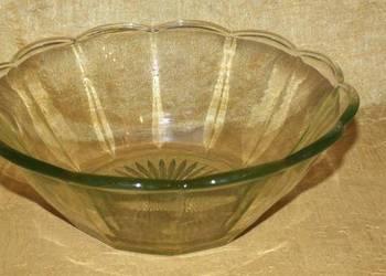 Duża miska z zielonego szkła w stylu Art Deco