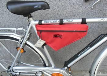 Duża torba rowerowa trójkątna na ramę z dobrego materiału.