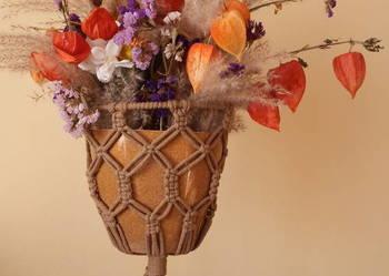 Kwietnik wiszący ze sznurka bawełnianego (makrama)