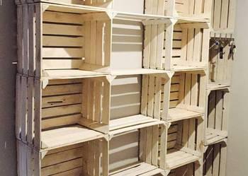 Regał ze skrzynek białych drewnianych owocowych półka szafka