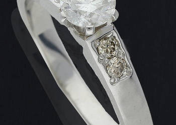 Pierścionek z brylantami 0,74 ct białe złoto pr.585 PRESTIGE