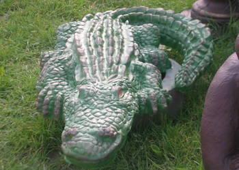 Krokodyl figurka oczko wodne fontanna