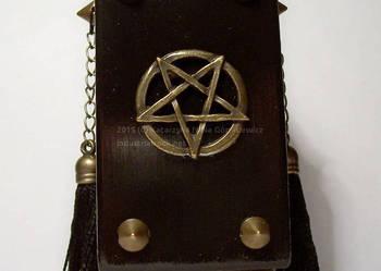 Mroczny świecznik tealight pentagram duże ćwieki łańcuszki