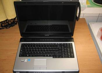 laptop nowy toshiba 17 cali