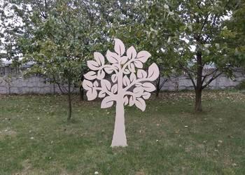 Duże drzewko, drzewo, ozdoba, ażur, wycinanka.