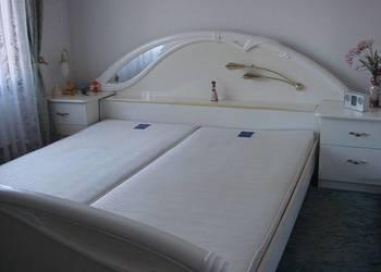 Stylowy komplet mebli do sypialni