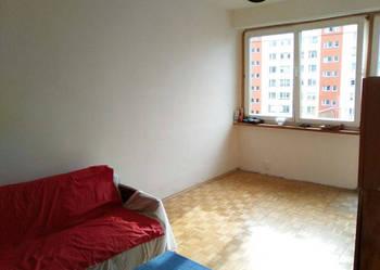 [...] Sprzedam wygodne 4 pokojowe mieszkanie (63m)