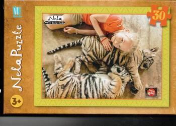 Nela mała reporterka.Tygrys