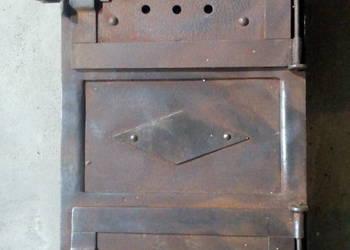Stare drzwiczki do pieca
