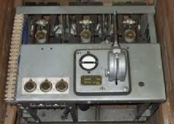 Wyłącznik APU - 50 1600 A nieużywany, z napędem ręcznym. + napęd elektr.